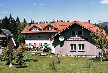 Hunde Hotel in Bayern Hausansicht